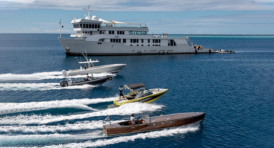 SuRi Expedition Yacht Charter In French